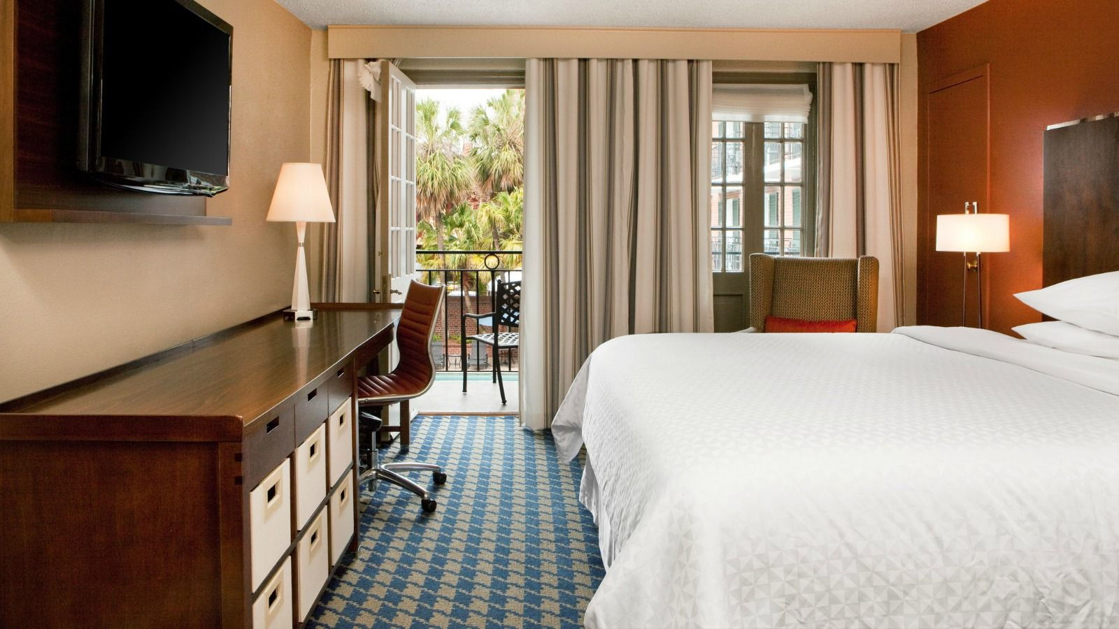 French Quarter Guest Rooms - King Room with Balcony