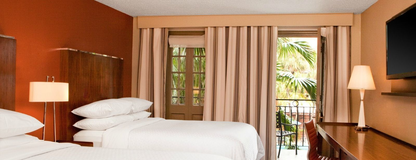French Quarter Guest Rooms - Double Guest Room with Balcony